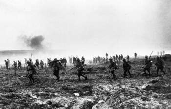 Canadians advancing on Vimy Ridge